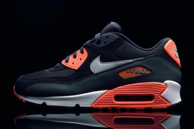 Nike Airmax- Size 8 or 8 and a half.